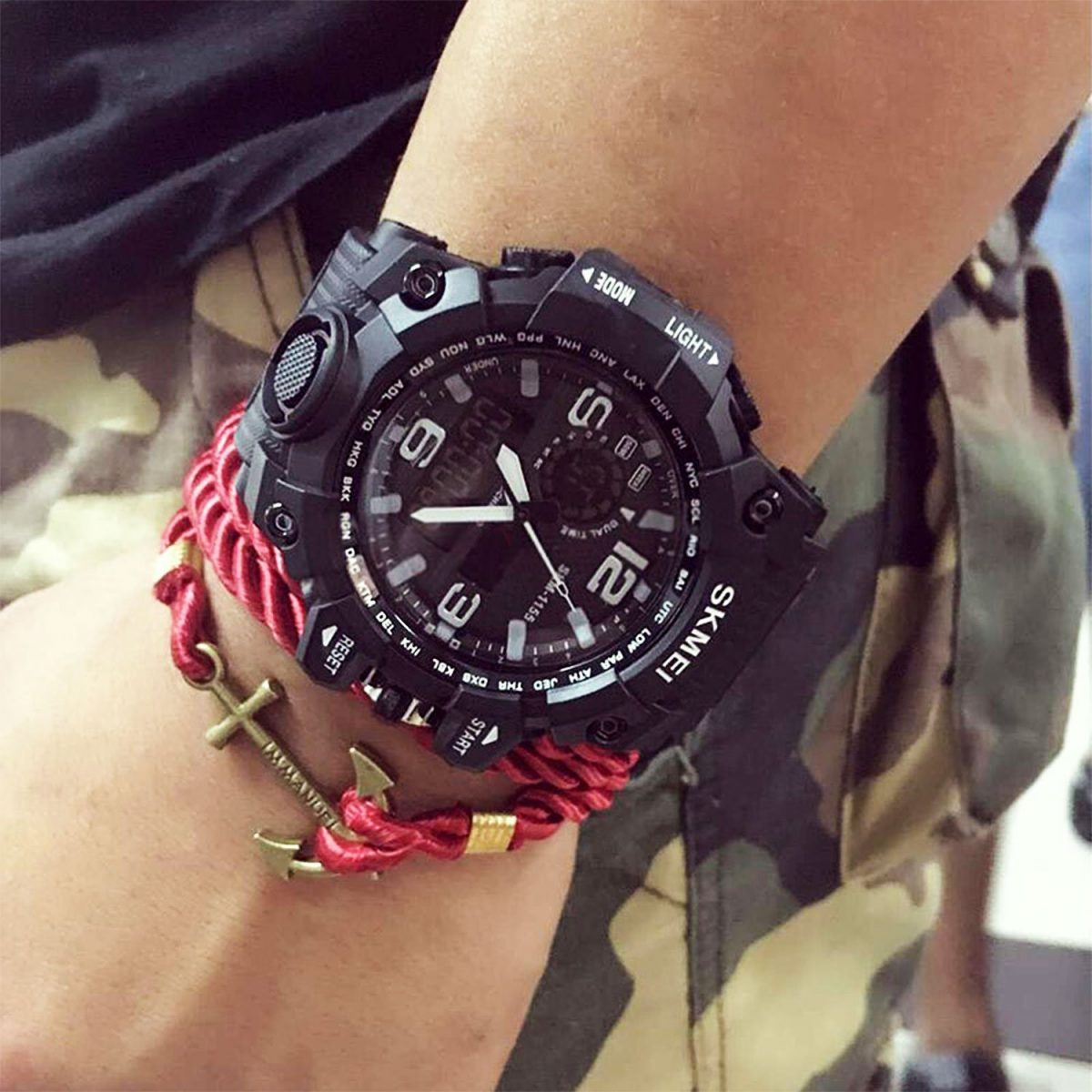Multi-Functional Men's Sports Watches: Never Go Out Of Date!