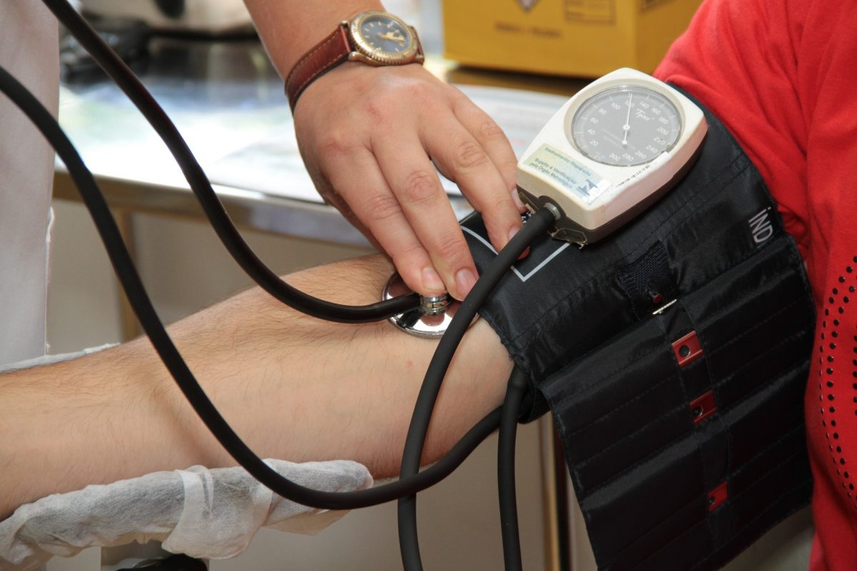 How to Effectively Treat Hypertension and Reverse High Blood Pressure Naturally