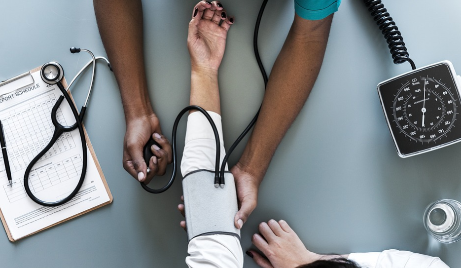 Low Blood Pressure: Understanding its Causes, Symptoms and Natural Remedies